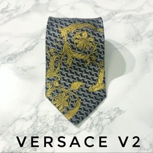 Versace V2 Classic Baroque Gold Floral Silk Tie
